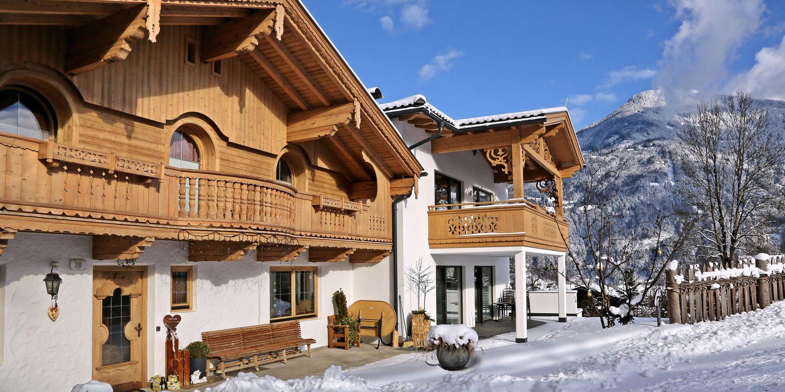 Aussenansicht Landhaus im Winter
